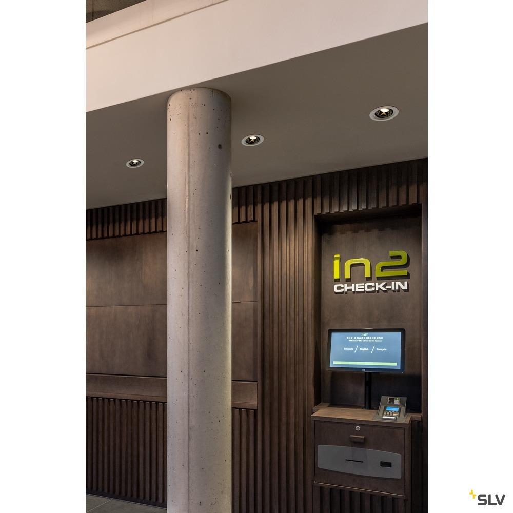 NUMINOS® MOVE DL M, Indoor LED Deckeneinbauleuchte weiß/weiß 2700K 40° dreh- und schwenkbar