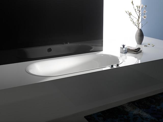 Bette Lux Oval - 1700×750 mm Weiß inkl. Antirutsch inkl. Wannenträger
